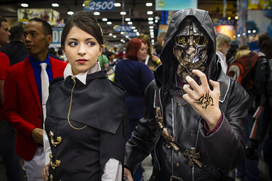 dishonored_cosplay_by_stebbokun-d6j6jp2